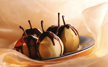 Pears-Chocolate-Glaze
